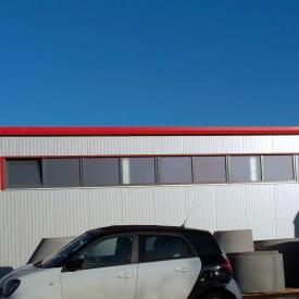 Lange Lichtbänder für Industriehalle mit Schüco Fenstern. Projekt 2015/2016
